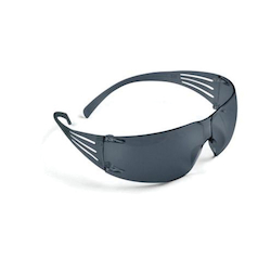 3M™ SecureFit™ 078371-65718 200 Safety Sunglasses, Anti-Fog Gray Lens, Frameless Gray Polycarbonate Frame, Polycarbonate Lens, Specifications Met: ANSI Z87.1-2015, CSA Z94.3